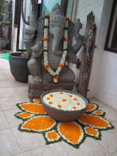 Rani-Mukerjee House Flower rangoli decoration – Spree Designs
