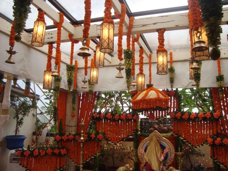 Rani-Mukerjee Rani mukerjee residence floral decoration – Spree Designs